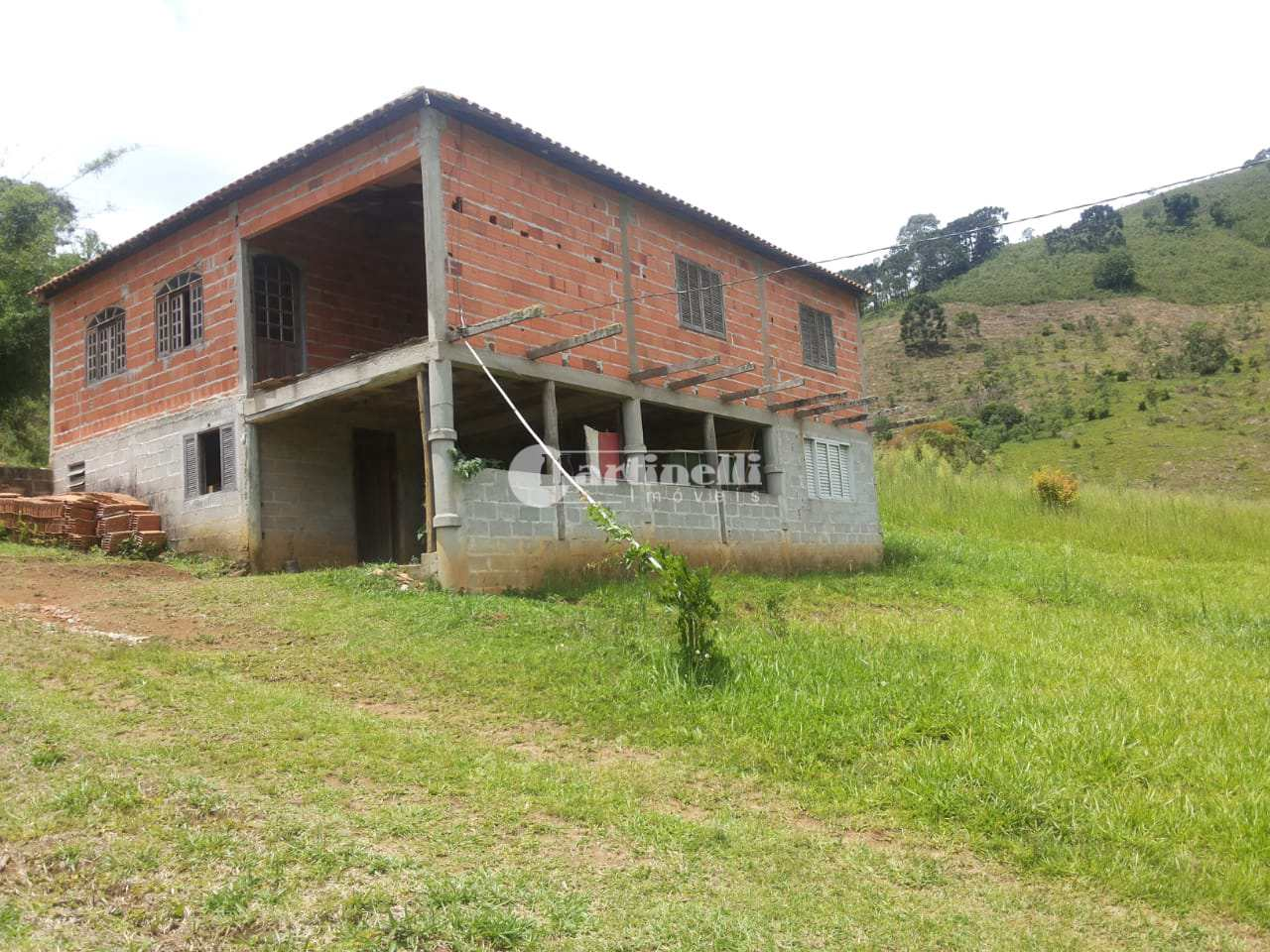 Sítio com 3 dorms, 10 km do centro, Santo Antônio do Pinhal - R$ 650 mil, Cod: 605