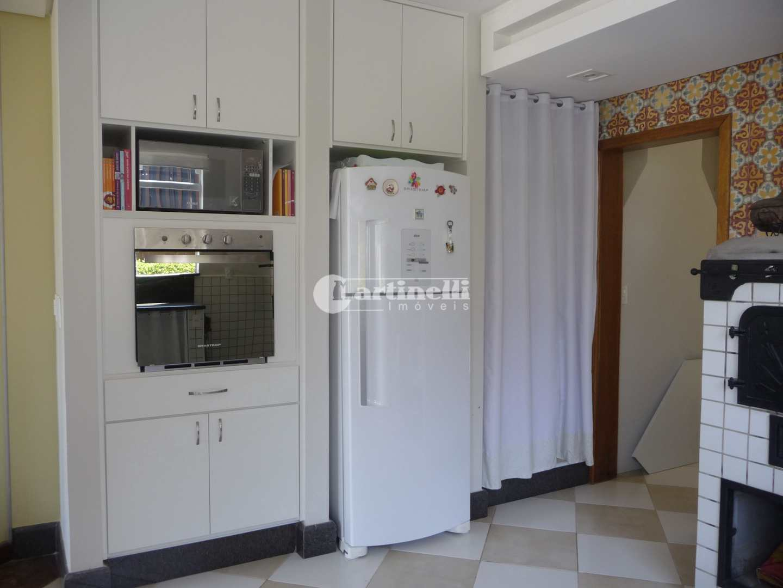 Casa de Condomínio com 4 dorms, 10 km do centro, Santo Antônio do Pinhal - R$ 1.78 mi, Cod: 654