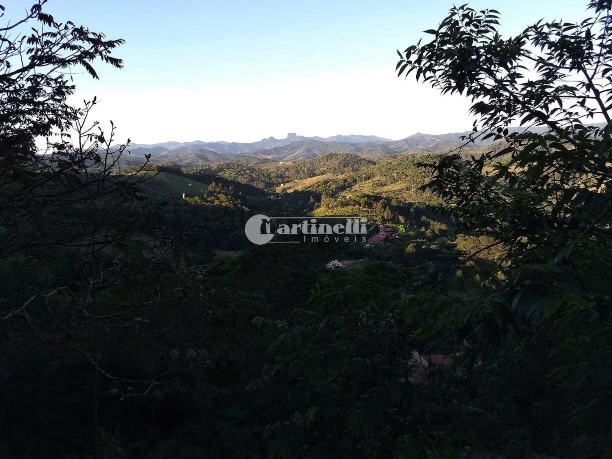 Terreno de Condomínio, aprox 4 km do centro, Santo Antônio do Pinhal - R$ 400 mil, Cod: 661