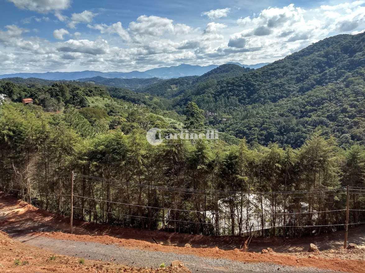 Terreno de Condomínio, Aprox 1 km do centro, Santo Antônio do Pinhal - R$ 750 mil, Cod: 697