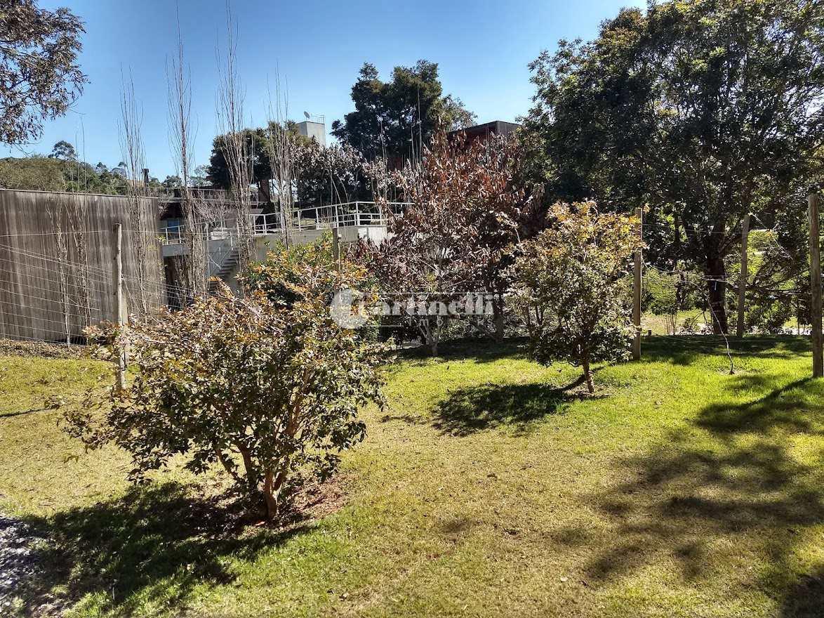 Casa de Condomínio com 4 dorms, 10 km do centro, Santo Antônio do Pinhal - R$ 1.75 mi, Cod: 700