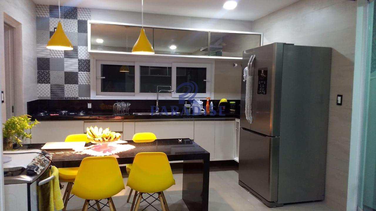 Casa com 4 dorms em Guarajuba - R$ 2.100.000,00 - cod 68397