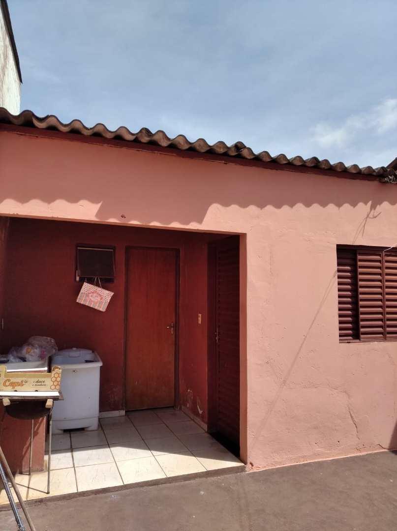 Casa com 3 dorms, Jardim Europa, Jales - R$ 330 mil, Cod: 3170
