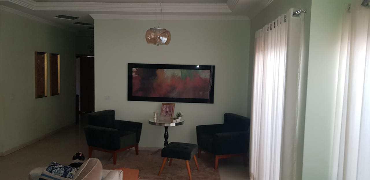 Casa com 3 dorms, Centro, Jales - R$ 850 mil, Cod: 3927