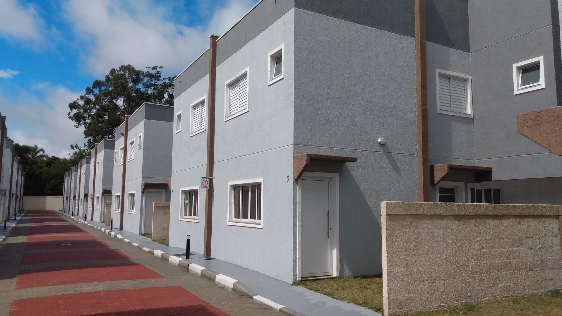 Sobrados em Condomínio com 02 suítes - Caxangá Suzano