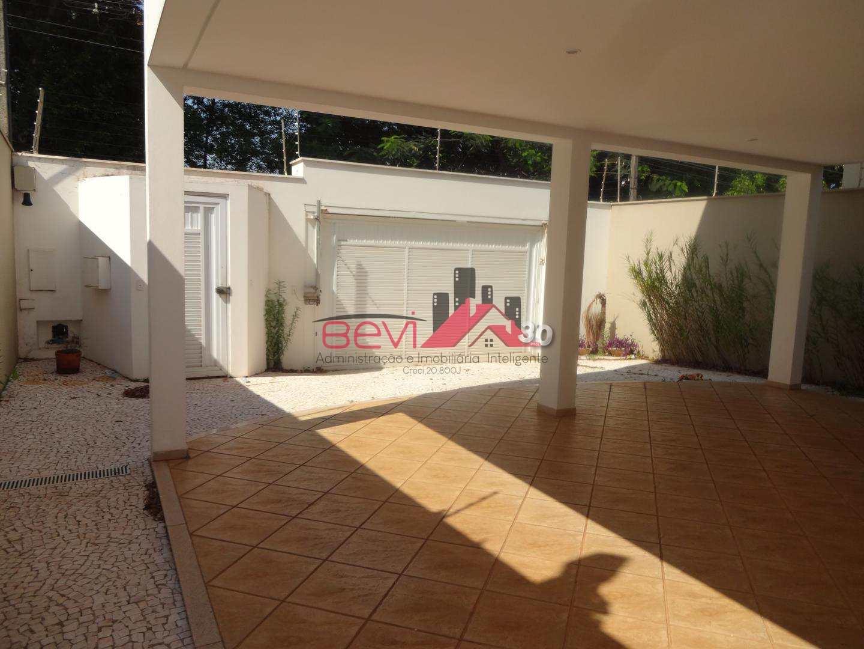 Casa 3 dorms ( 1 suíte e 2 demi - suíte), piscina, 2 vagas