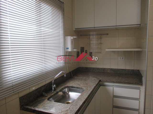 Apartamento com 3 dorms, Centro, Piracicaba - R$ 310 mil, Cod: 3666