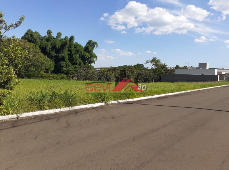 Terreno de Condomínio, Centro, Rio das Pedras - R$ 100 mil.