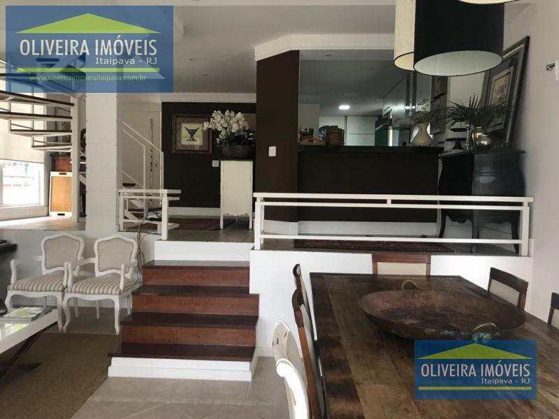 Casa de Condomínio com 6 dorms, Itaipava, Petrópolis - R$ 3.7 mi, Cod: 3