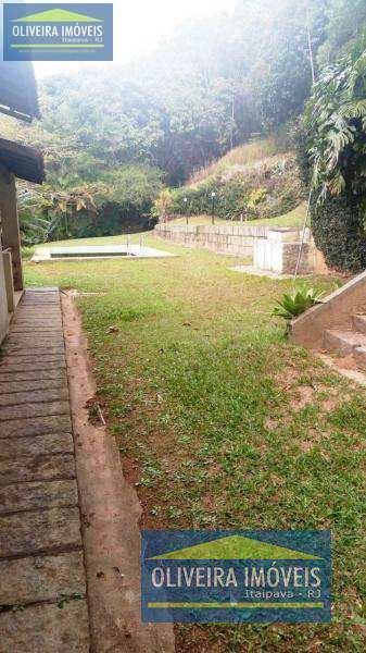 Casa com 3 dorms, Itaipava, Petrópolis - R$ 1.2 mi, Cod: 13