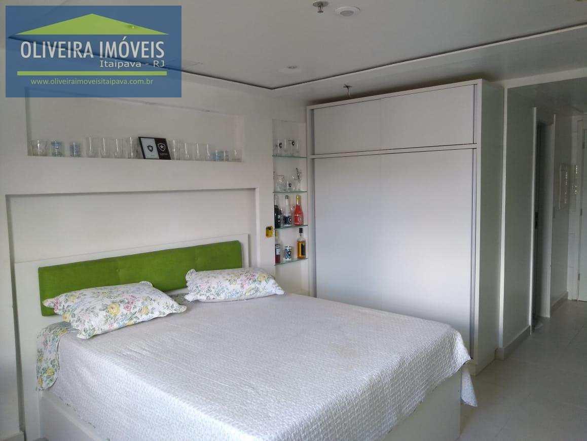 Loft com 1 dorm, Itaipava, Petrópolis - R$ 255 mil, Cod: 18