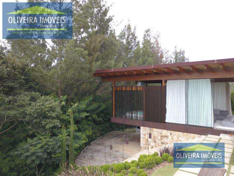Casa de Condomínio com 4 dorms, Araras, Petrópolis - R$ 3.5 mi, Cod: 24