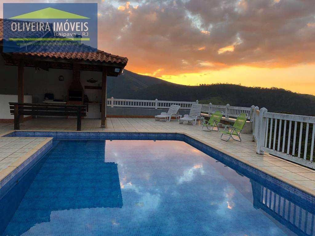 Casa com 4 dorms, Itaipava, Petrópolis - R$ 1.25 mi, Cod: 37