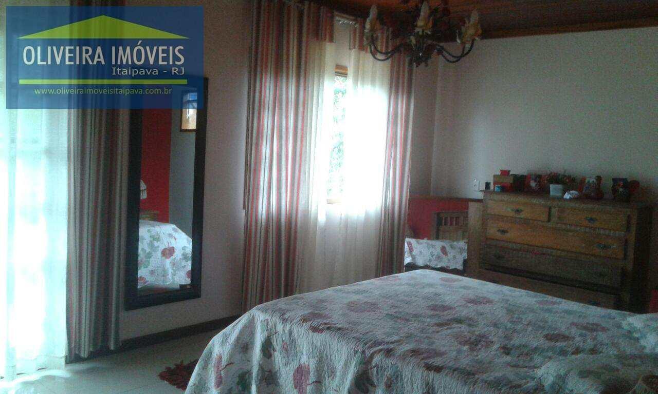 Casa com 4 dorms, Araras, Petrópolis - R$ 850 mil, Cod: 45