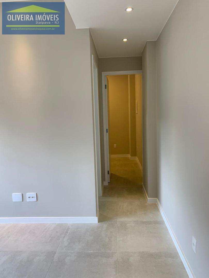 Apartamento com 2 dorms, Valparaíso, Petrópolis - R$ 360 mil, Cod: 52