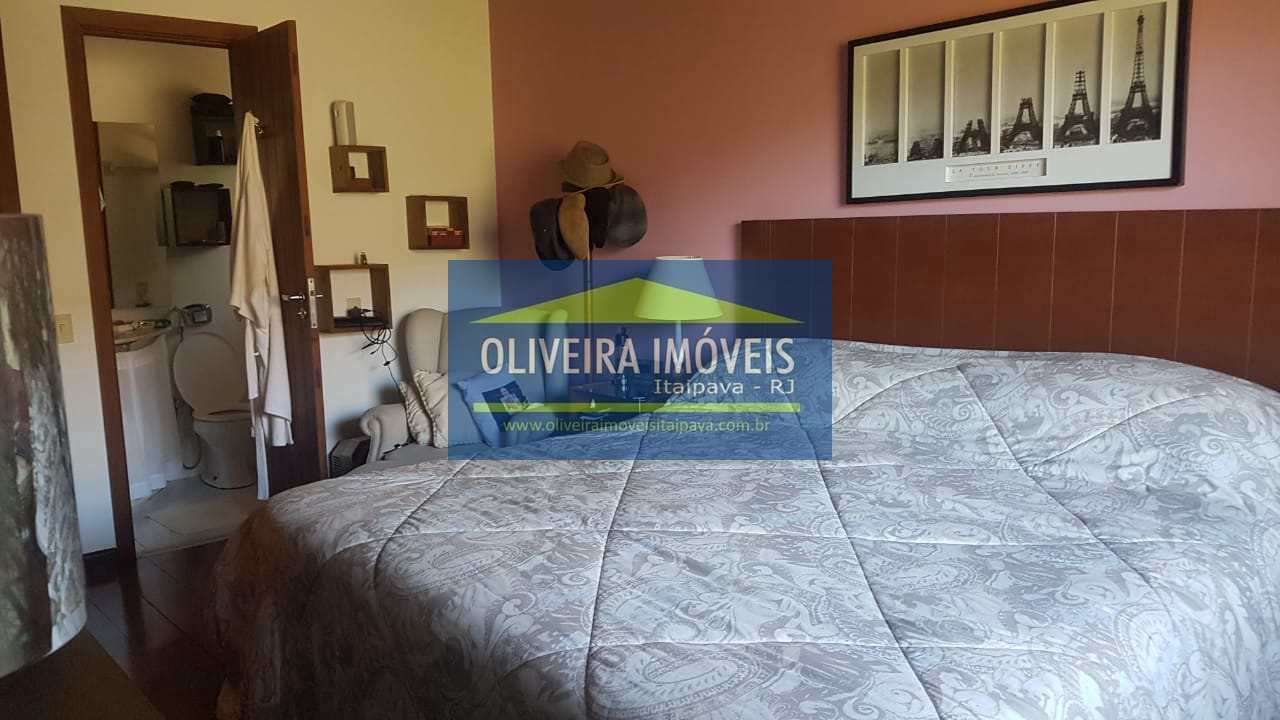 Casa de Condomínio com 5 dorms, Araras, Petrópolis - R$ 1.99 mi, Cod: 60