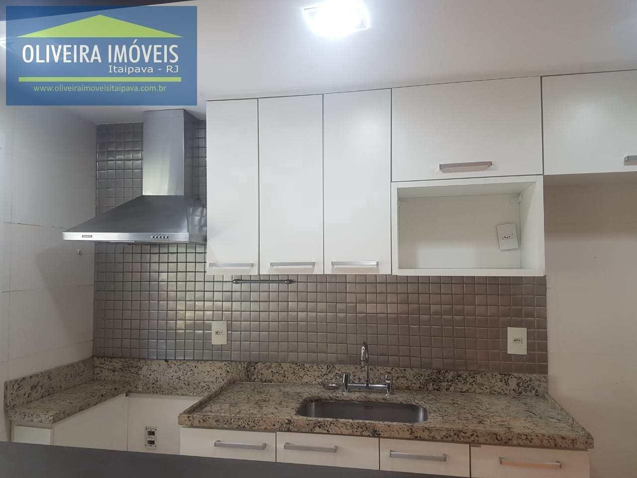 Apartamento com 2 dorms, Itaipava, Petrópolis - R$ 560 mil, Cod: 70