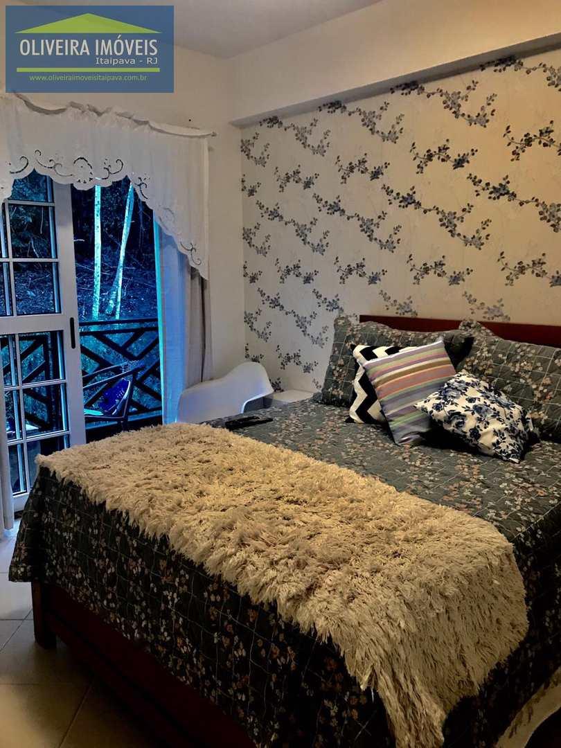 Apartamento com 4 dorms, Itaipava, Petrópolis - R$ 1.25 mi, Cod: 76