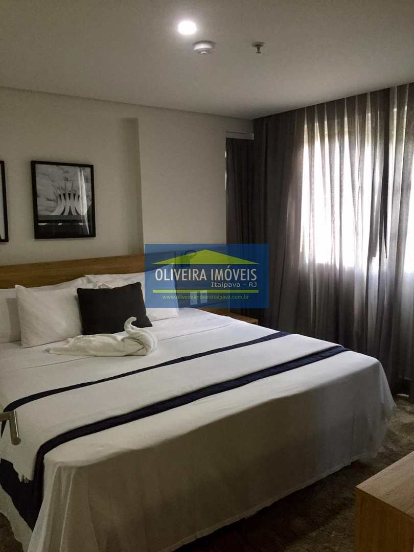 Apartamento com 0 dorm, Itaipava, Petrópolis - R$ 600 mil, Cod: 86