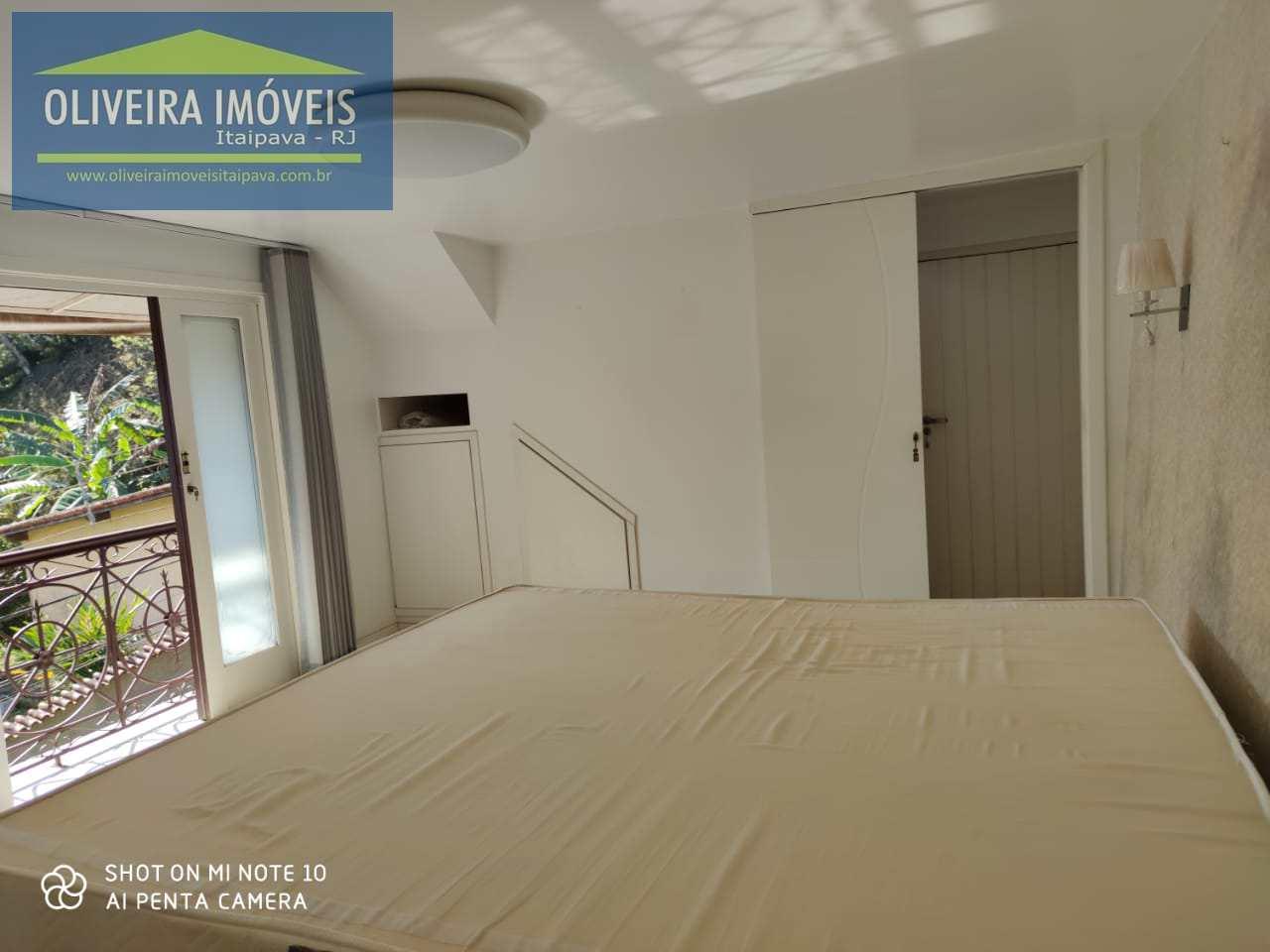 Casa com 2 dorms, Castelanea, Petrópolis - R$ 1.1 mi, Cod: 91