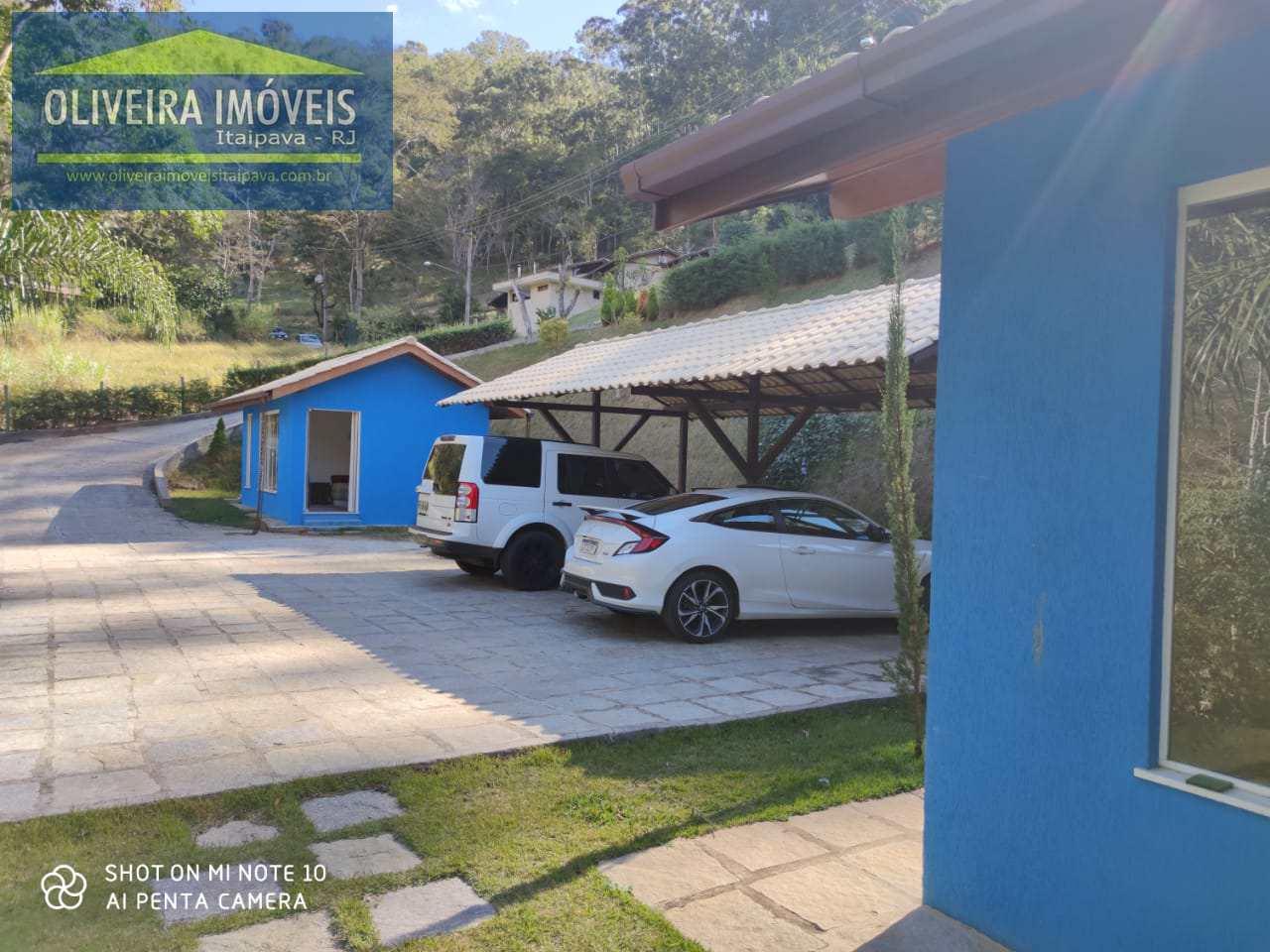 Casa de Condomínio com 4 dorms, Pedro do Rio, Petrópolis - R$ 1.69 mi, Cod: 99