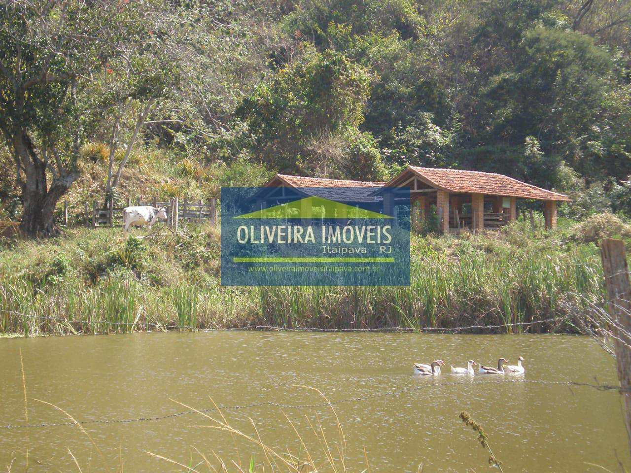Sítio com 2 dorms, Área Rural de Três Rios, Três Rios - R$ 1.95 mi, Cod: 107