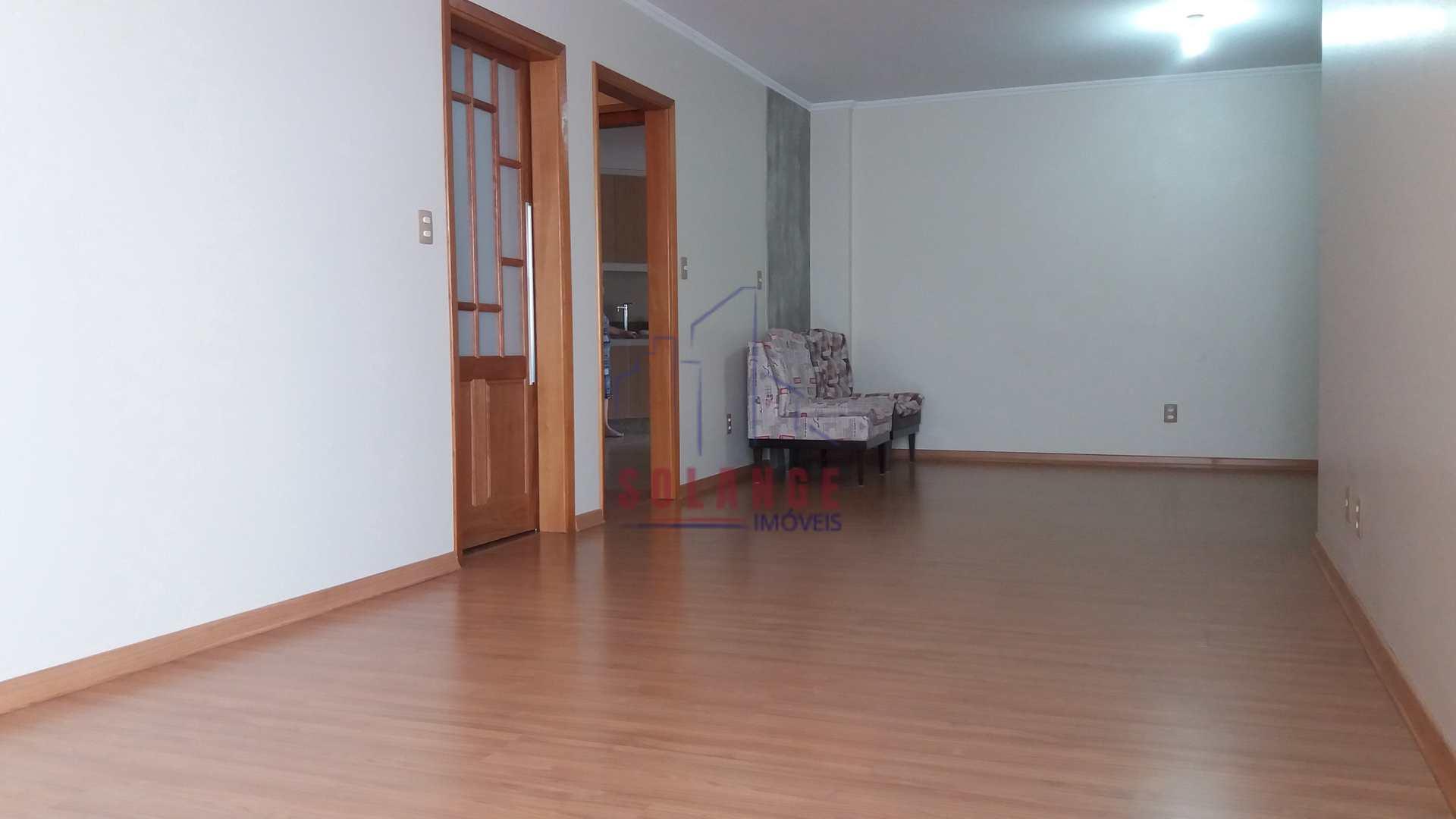 Apartamento com 3 dorms, Centro, Amparo - R$ 750 mil, Cod: 2204