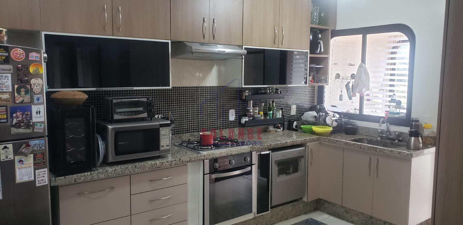 Apartamento com 2 dorms, Centro, Amparo - R$ 475 mil, Cod: 2469