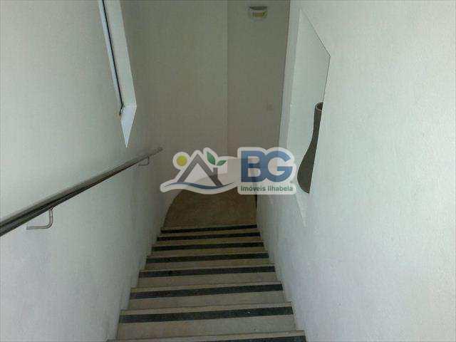29700-E22B89BA_91E6_49C1_BE1A_1EC7663DE892.C10.jpg