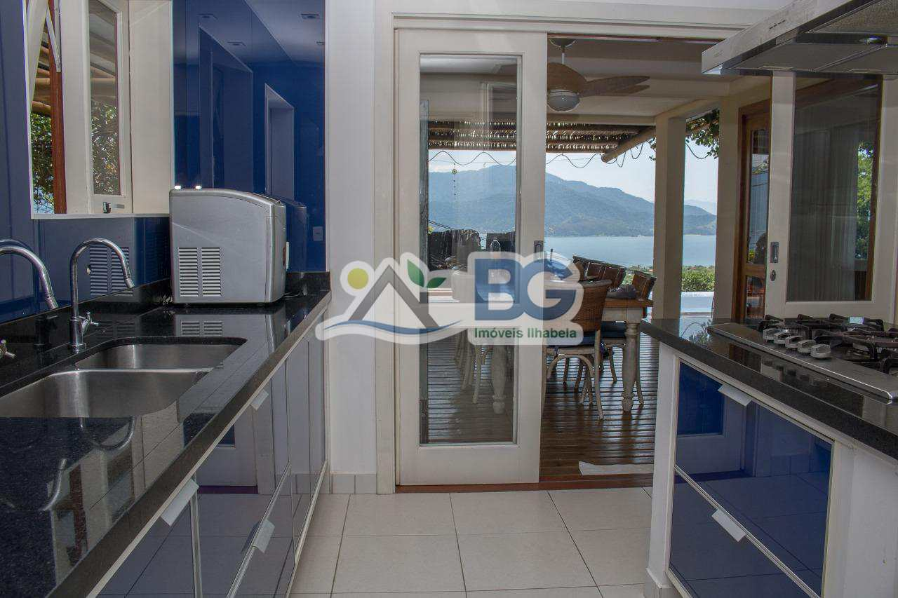 Casa em Ilhabela de altissimo padrão com linda vista para o mar