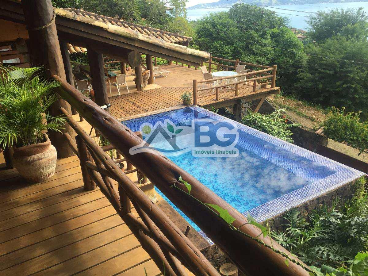 Casa em Ilhabela com linda vista para o mar na Armação