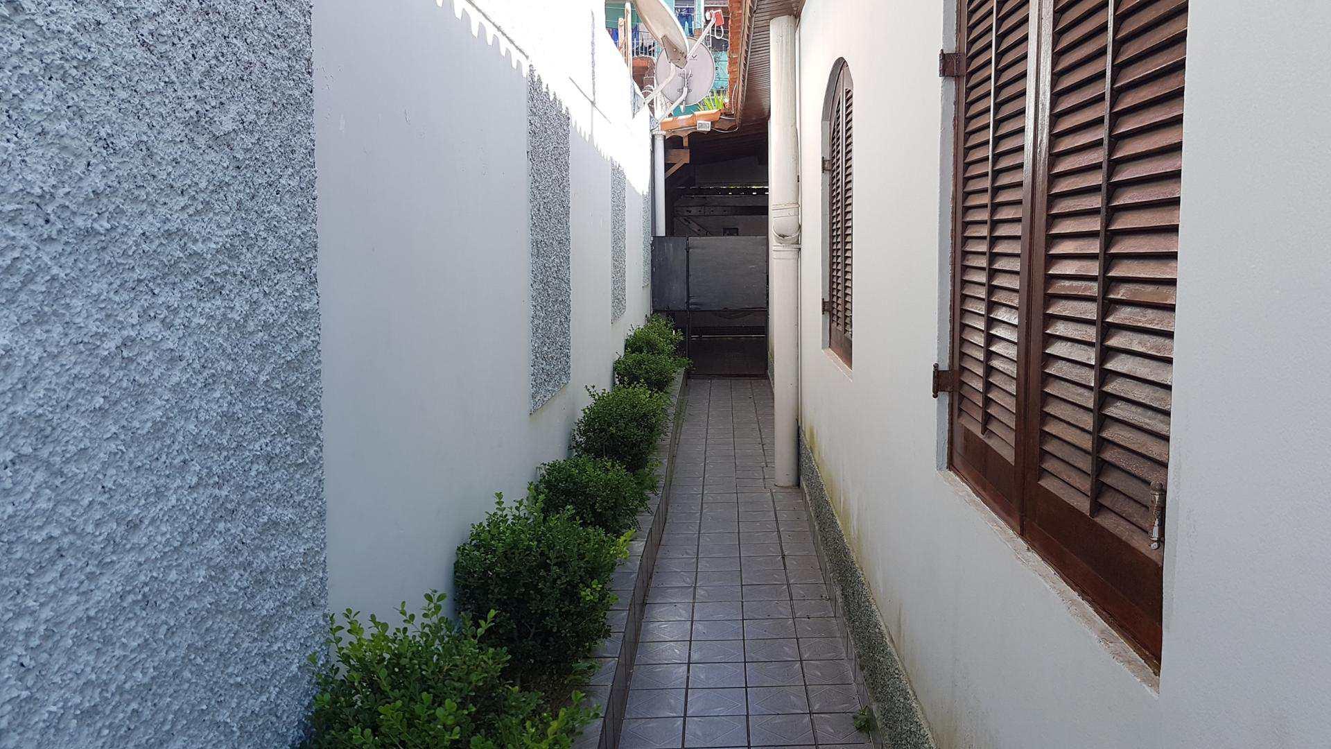 Casa com 2 dorms, Parque Paraíso, Itapecerica da Serra - R$ 750 mil, Cod: 1323