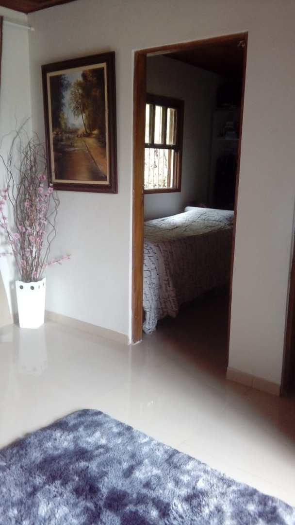 Chácara com 2 dorms, Chácara das Palmeiras, Itapecerica da Serra - R$ 450 mil, Cod: 1334