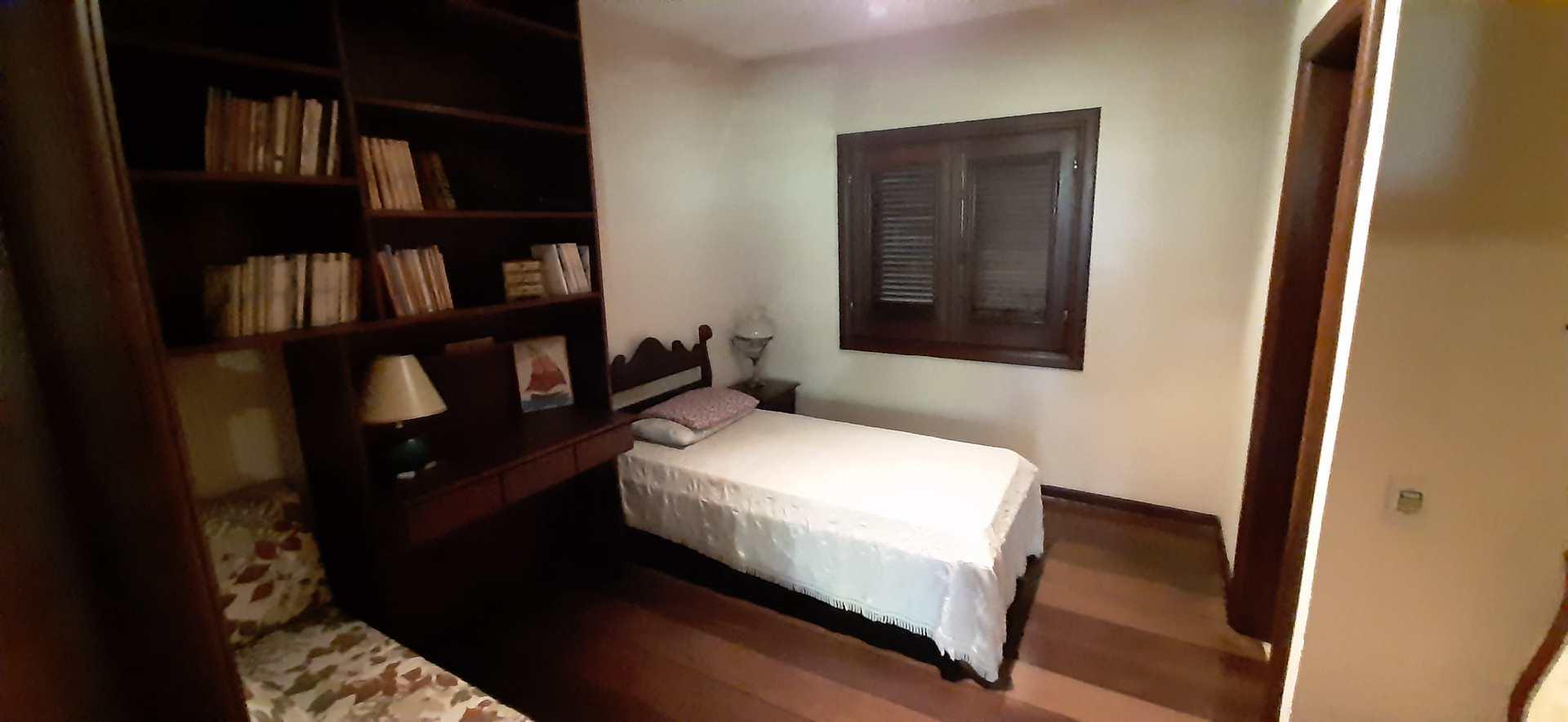 Casa de Condomínio com 0 dorm, Jardim Petrópolis, Itapecerica da Serra - R$ 2 mi, Cod: 1338