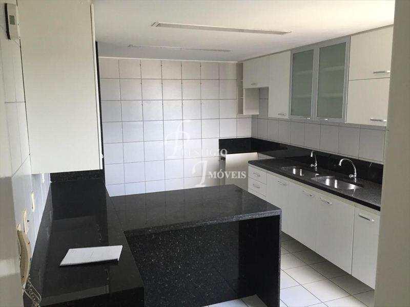Apartamento em Recife bairro Caxangá