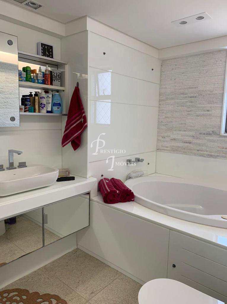 Apartamento com 3 dorms, Santo Antônio, Recife - R$ 2 mi, Cod: 1490