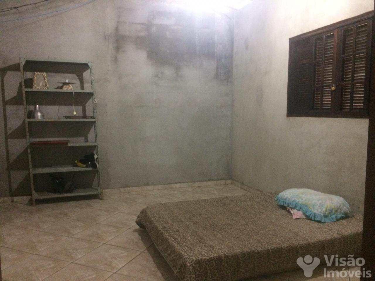 Casa com 2 dorms, Conjunto Residencial Araretama, Pindamonhangaba - R$ 650 mil, Cod: 1920003