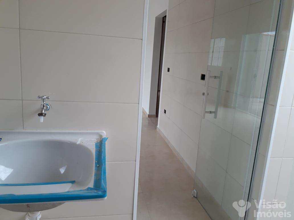Casa com 3 dorms, Moreira César, Pindamonhangaba - R$ 201 mil, Cod: 1920020