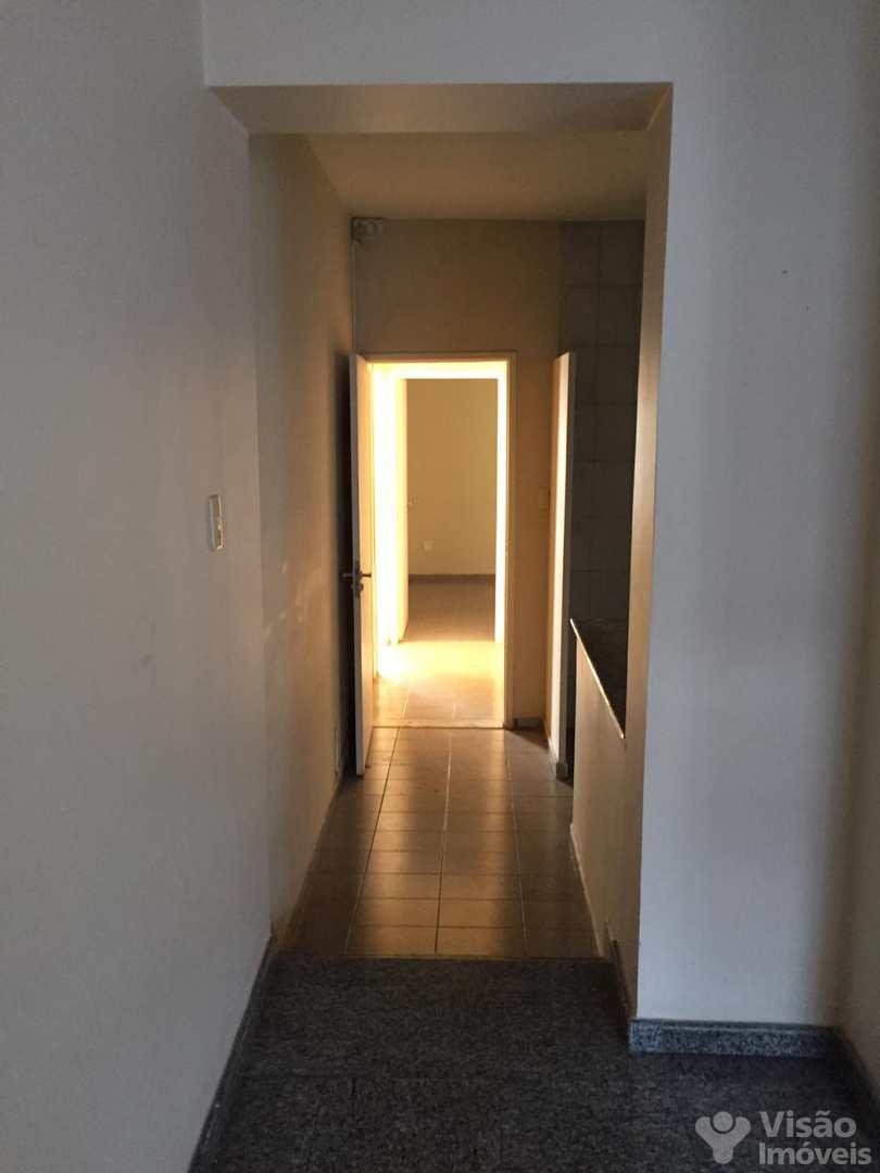 Sobrado com 5 dorms, Residencial Campos Maia, Pindamonhangaba - R$ 490 mil, Cod: 1920130
