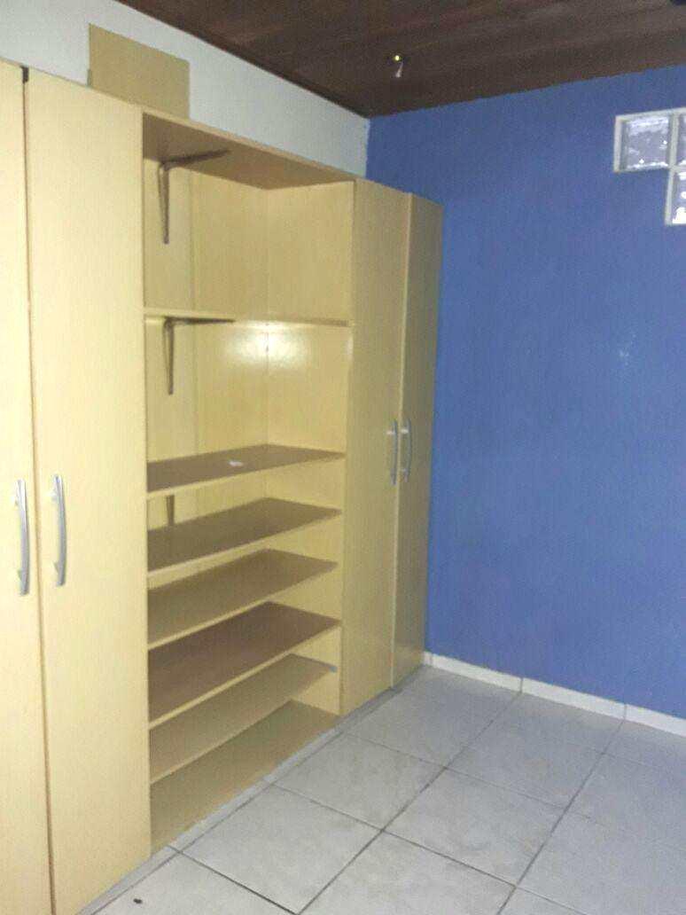 E. Closet dorm 1 (3)
