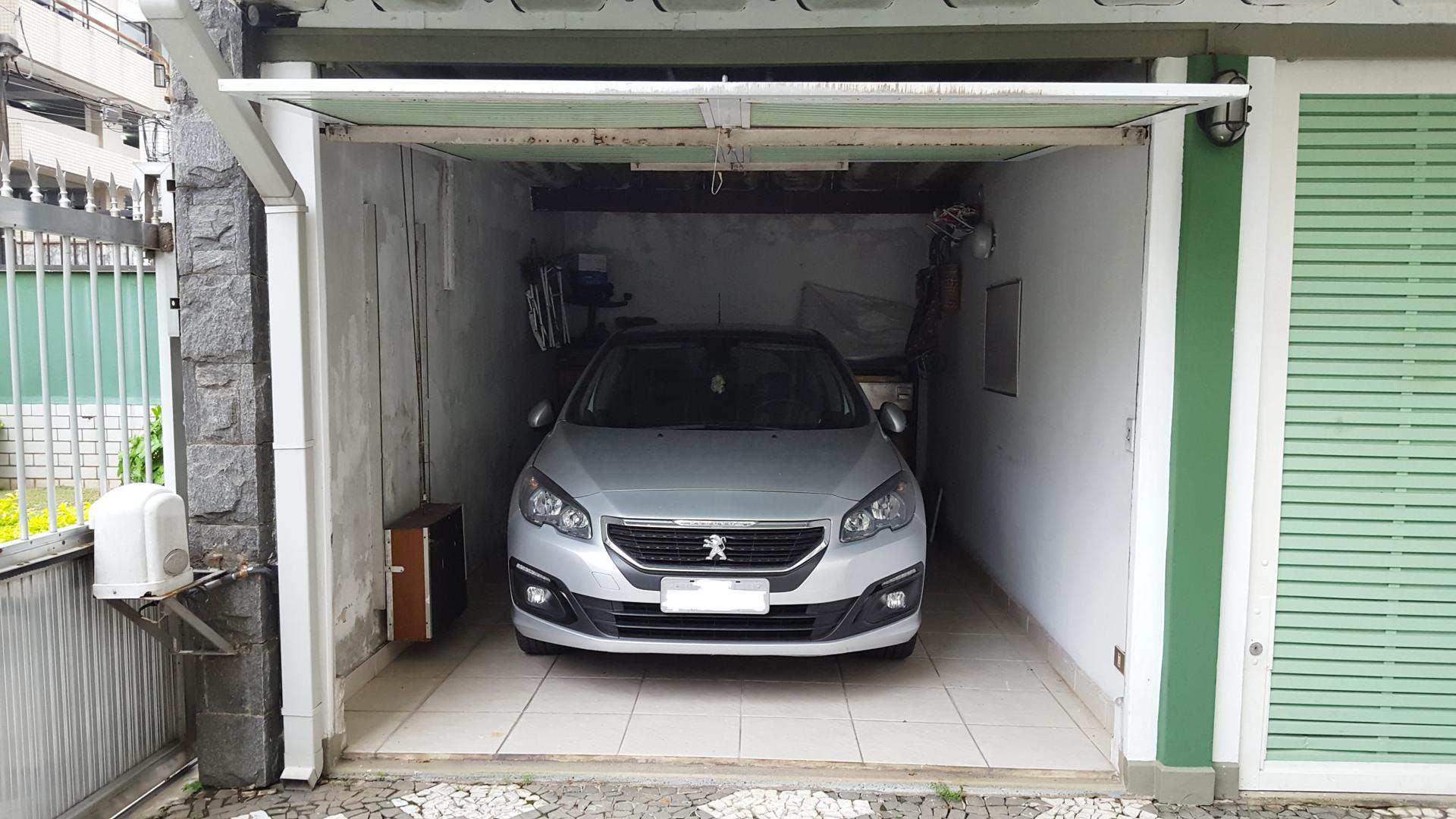 O - garagem