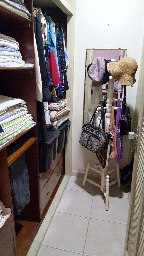 K - closet (2)