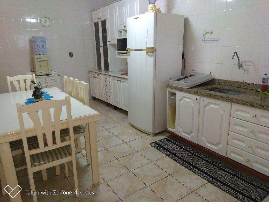 B. Cozinha (7)