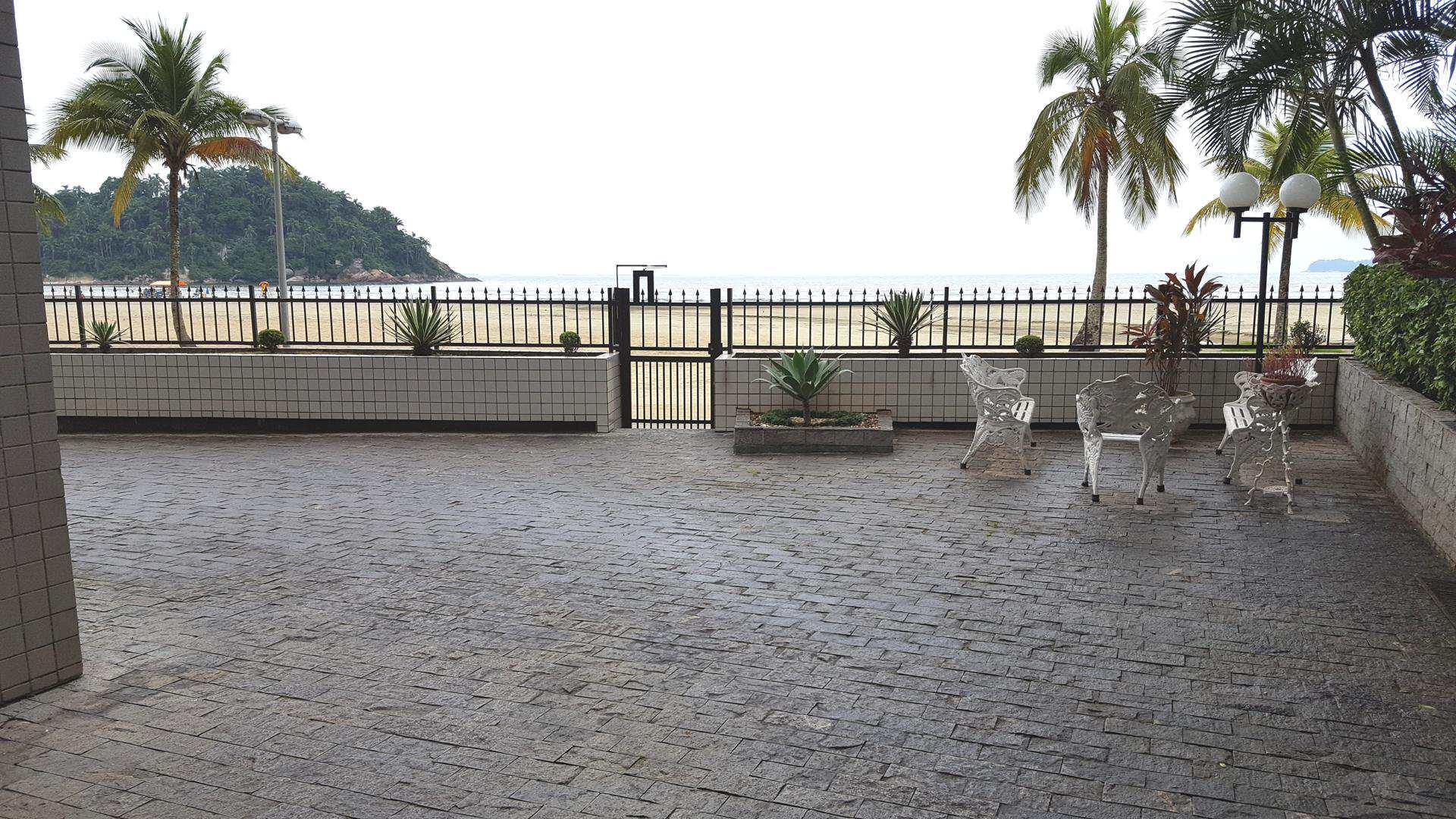 L - acesso à praia