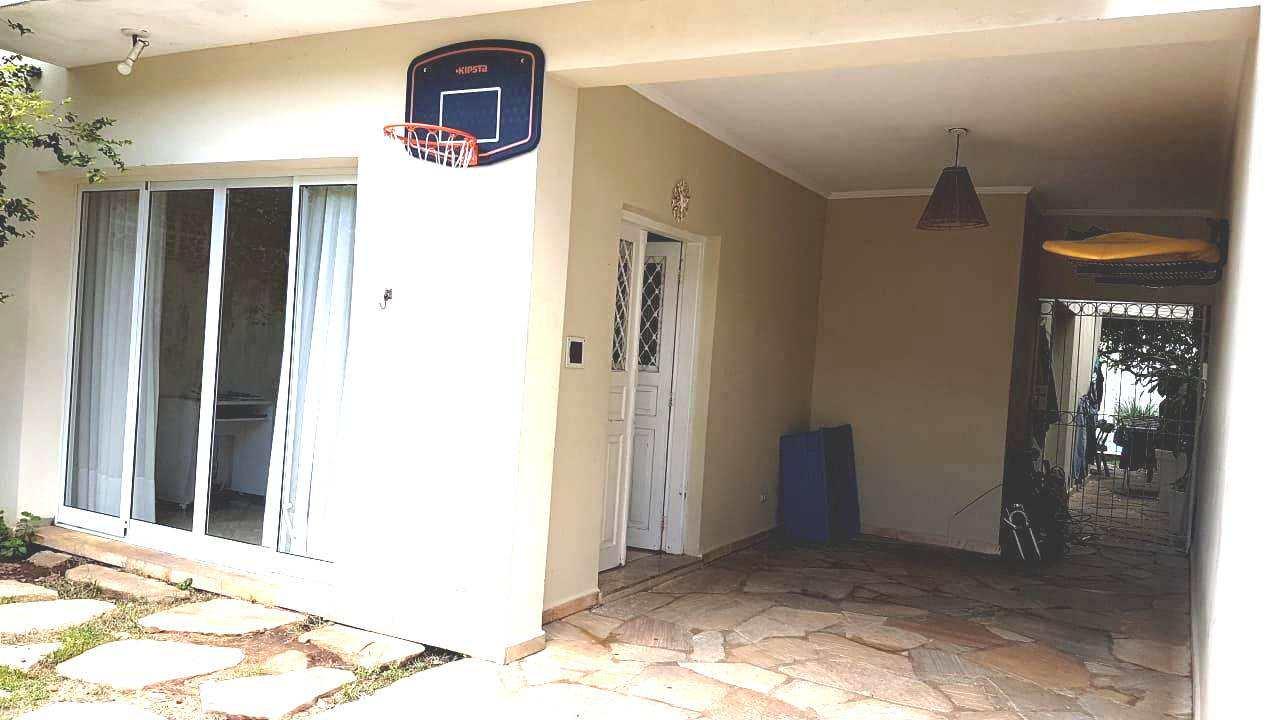 Sobrado com 3 dorms, Vila Valença, São Vicente - R$ 1.1 mi, Cod: 3423
