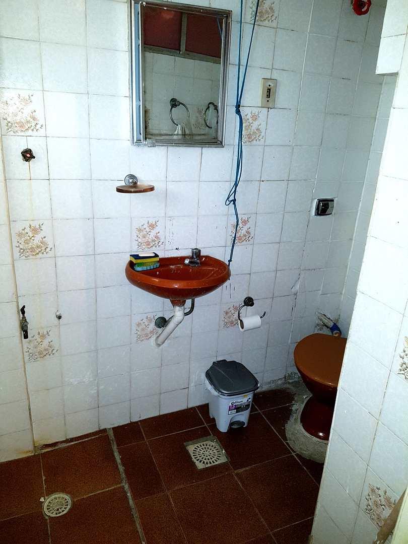 Apartamento com 1 dorm, José Menino, Santos - R$ 140 mil, Cod: 3600