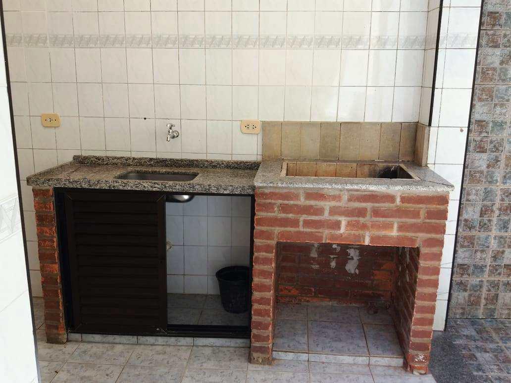 Casa com 2 dorms, no Embaré, Santos - R$ 520 mil, Cod: 3694