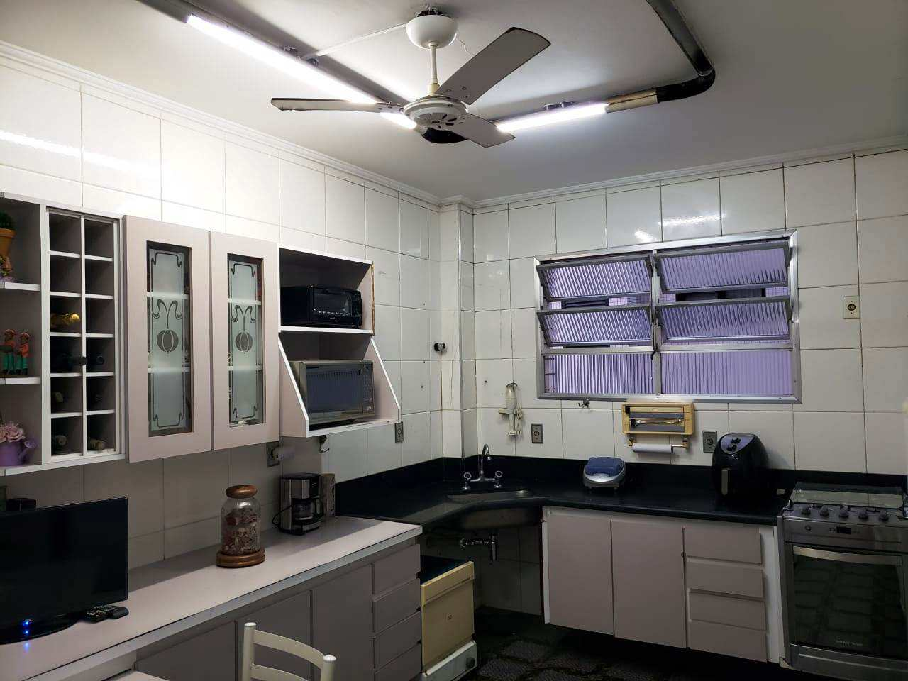 Apartamento com 3 dorms, Gonzaga, Santos - R$ 720 mil, Cod: 3951