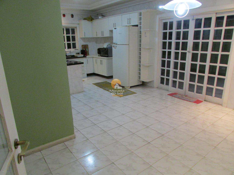 Sobrado com 5 dorms, Canto do Forte, Praia Grande - R$ 1.75 mi, Cod: 4552