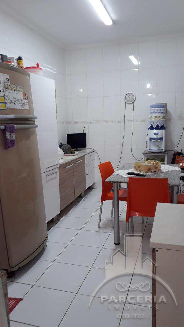 Sobrado com 3 dorms, Vila Ponte Nova, Cubatão - R$ 440 mil, Cod: 938